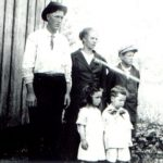 Thumbnail image for Everett BLEDSOE, Macey Belle PETERS and Family